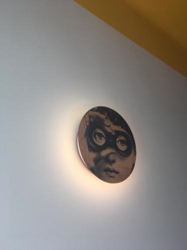 Lampa ar Fornasetti apdruku  Ilze Svence 2018 01